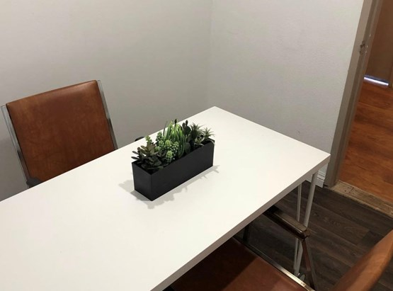 Small Meeting Room (3-4 Person)